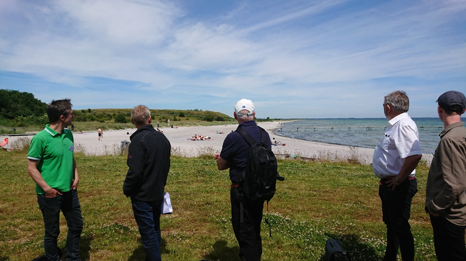 Danish municipalities meet to discuss how to deal with the beach-wrack on their coasts